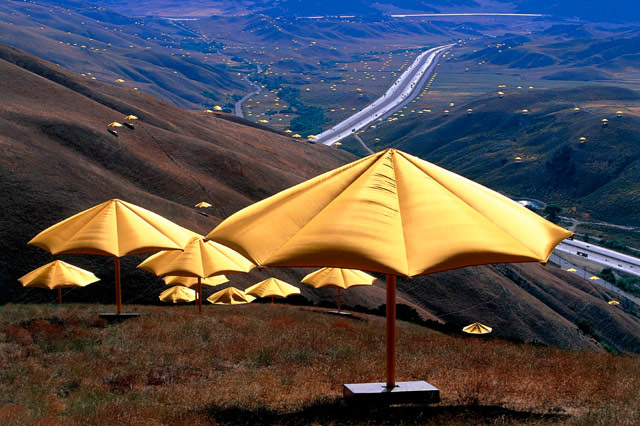 Christo et Jeanne Claude, The Umbrellas