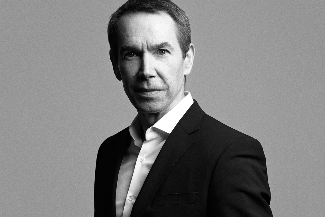 The 62-year old son of father (?) and mother(?), 175 cm tall Jeff Koons in 2017 photo