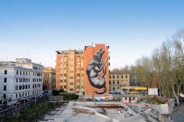 roa-new-mural-for-avanguardie-urbane-roma-street-art-festival-01