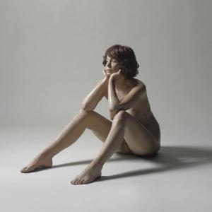 deandrea_john_louis-sitting_woman-OMbff300-10000_20061115_N08244_107