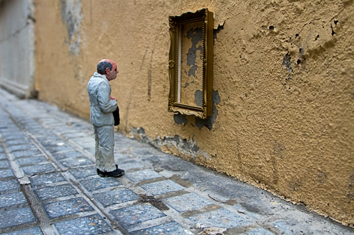 Isaac Cordal, Cement eclipses, 2013