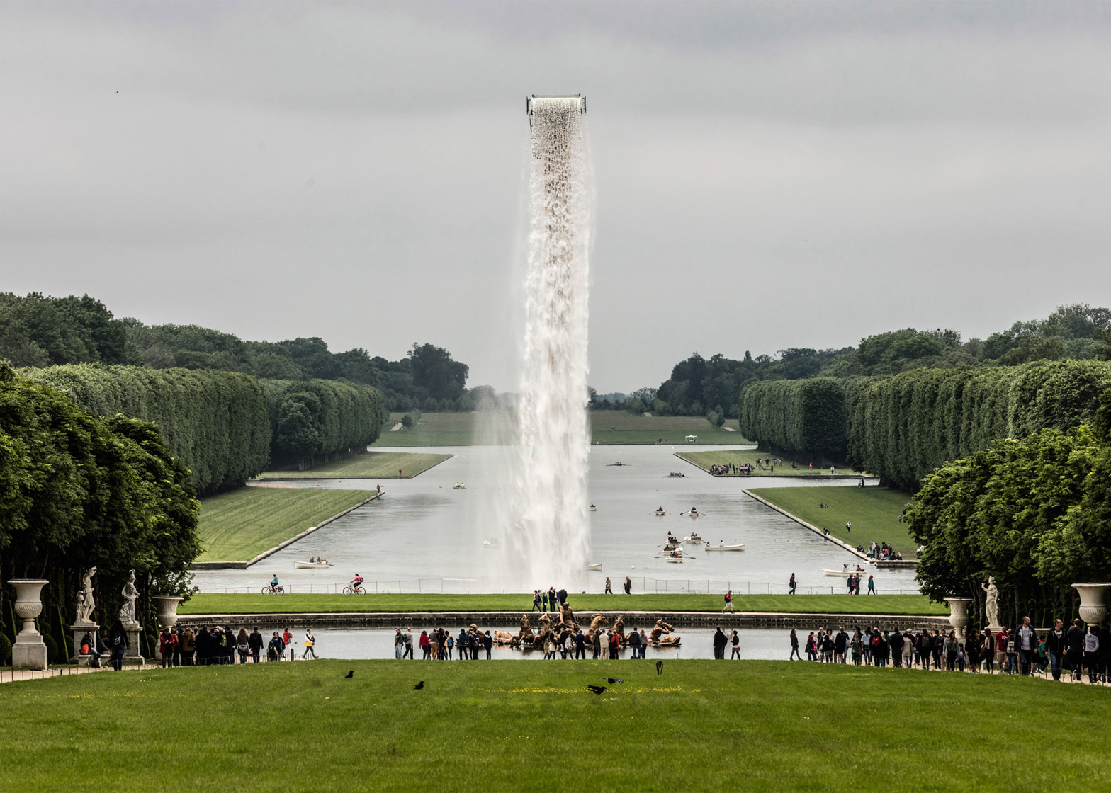 waterfall-olafur-eliasson-versailles-installation-art-france-anders-sune-berg_dezeen_1568_3