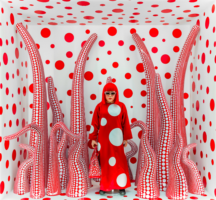 Yayoi Kusama, Louis Vuitton shop window display with Tentacles, 2012/2015 Photo: Vegard Kleven