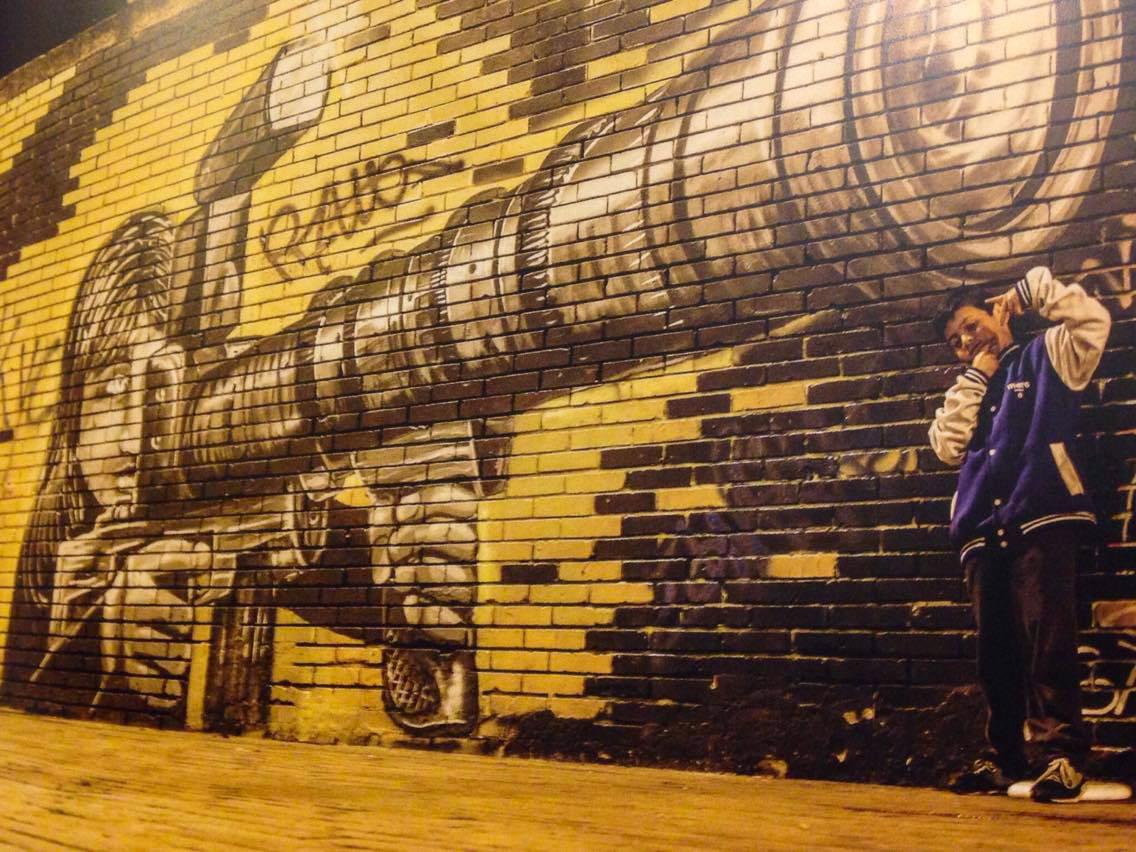 Artiste anonyme dans le quartier colonial, la Candelaria