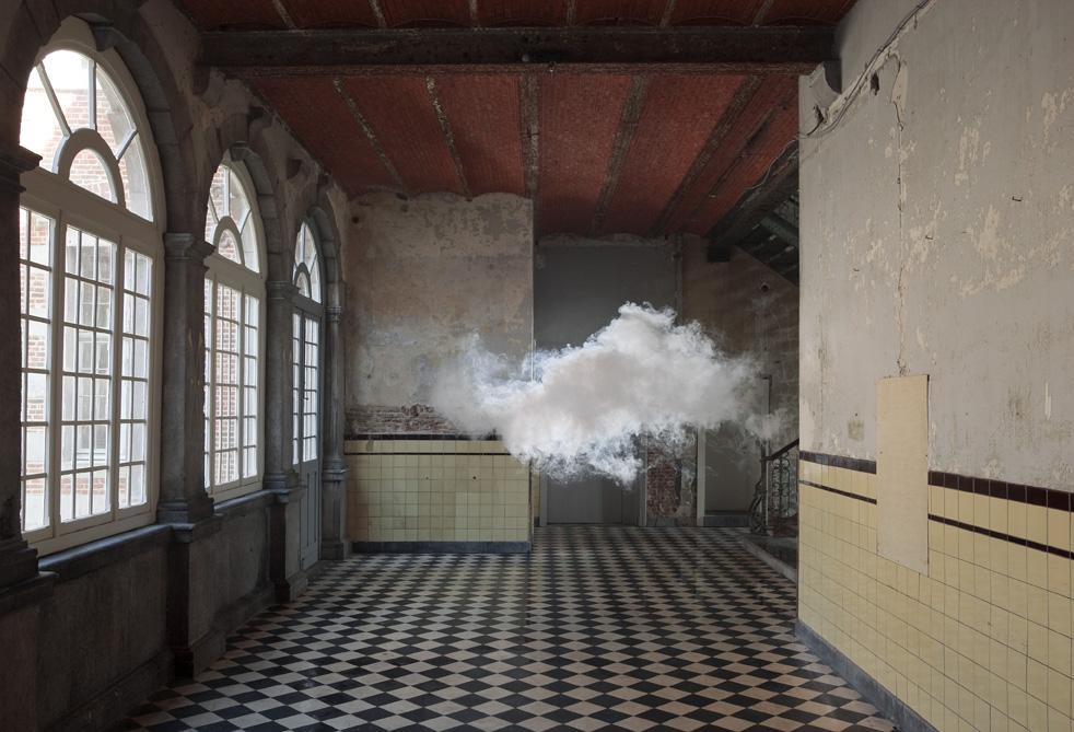 nuage-interieur-Berndnaut-Smilde-05