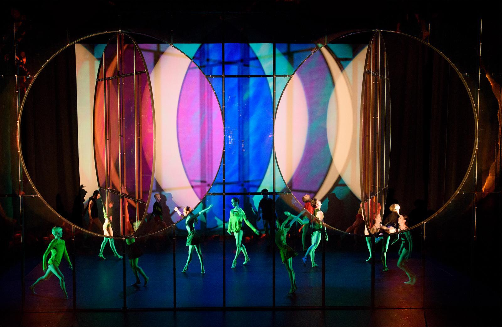 10 ballets à la frontière de la danse et des arts plastiques