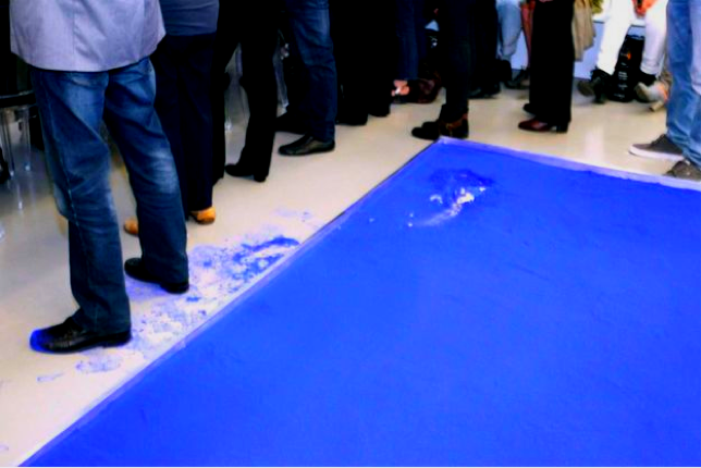 Yves Klein, Pigment bleu sec (Dry Blue Pigment) after a visitor stepped in it