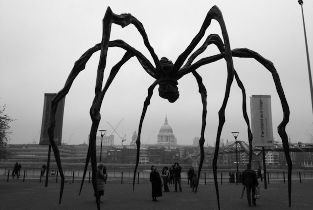 Louise Bourgeois' Maman in bronze, in front of the London skyline