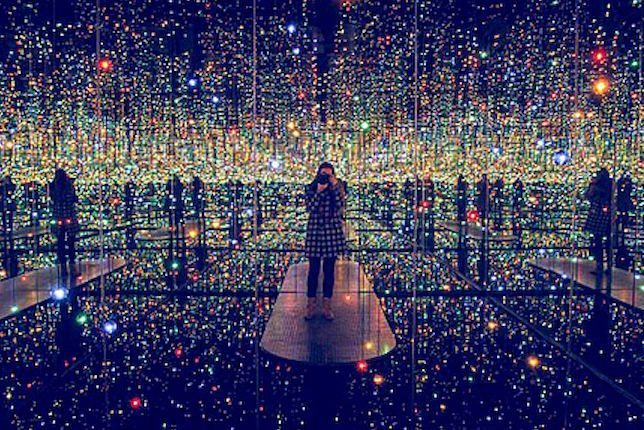Image décorative: 25 Œuvres contemporaines à connaître absolument: Yayoi Kusama, Infinity Mirror Room, 1965