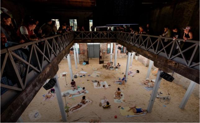 Photographie de plage ( installation ) - Lina Lapelyte, Vaiva Grainyte and Rugile Barzdziukaite, Sun & Sea (Marina), 2019
