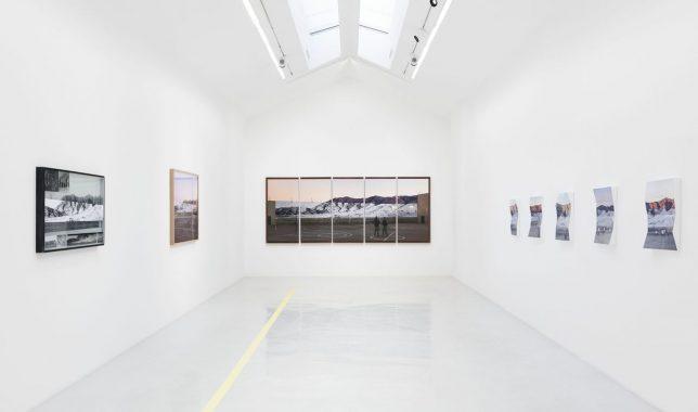 Exposition « Tehachapi » par  l'artiste JR à la Galerie Perrotin en 2020.