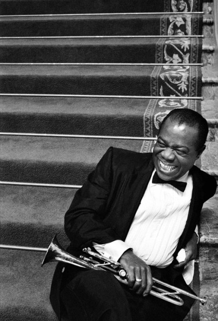 Bob Willoughby, Louis Armstrong relaxing on the set of 'High Society', 1956