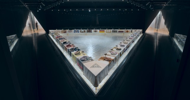 Judy Chicago « The Dinner Party » œuvre d'art féminisme