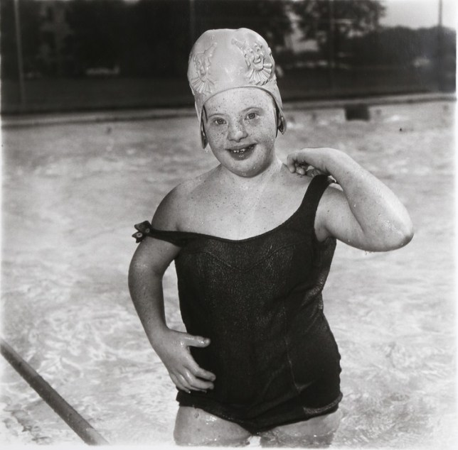 Diane Arbus « Girl In A Swimming Cap »