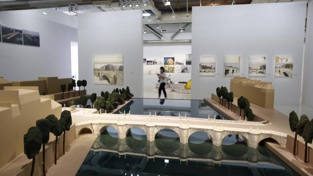Plans d'aménagement du Pont Neuf en 1985, exposés au Centre Pompidou