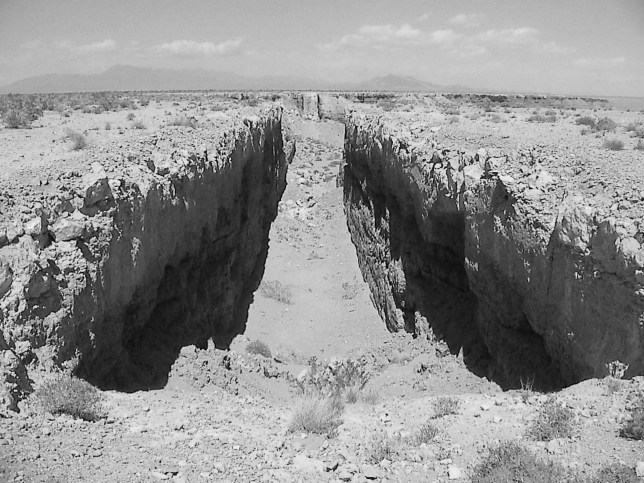 Ecology art land art Michael Heizer