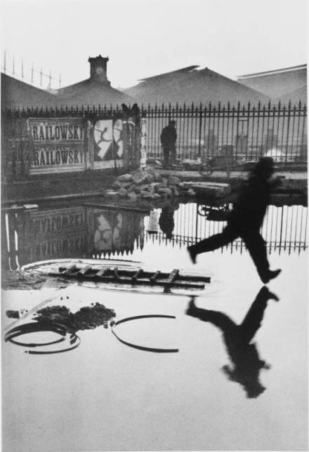 Derrière la Gare St. Lazare, Paris, 1932 © Henri Cartier-Bresson